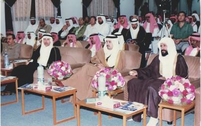 الأمير / فيصل بن بندر يحيي مع أهل الأدب إحدى أماسيهم …