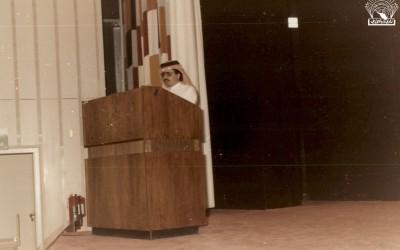 الشعر العربي في ضوء المذاهب الغربية – علي محمد العمير – ضمن إسهامات النادي خارج أسواره بقاعدة الملك خالد الجوية .