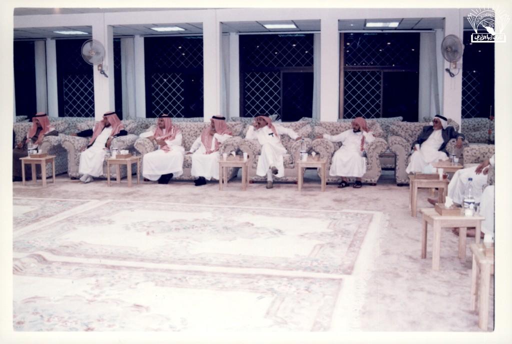 من المسامرات : د. محمد بن عبد الله آل زلفة .