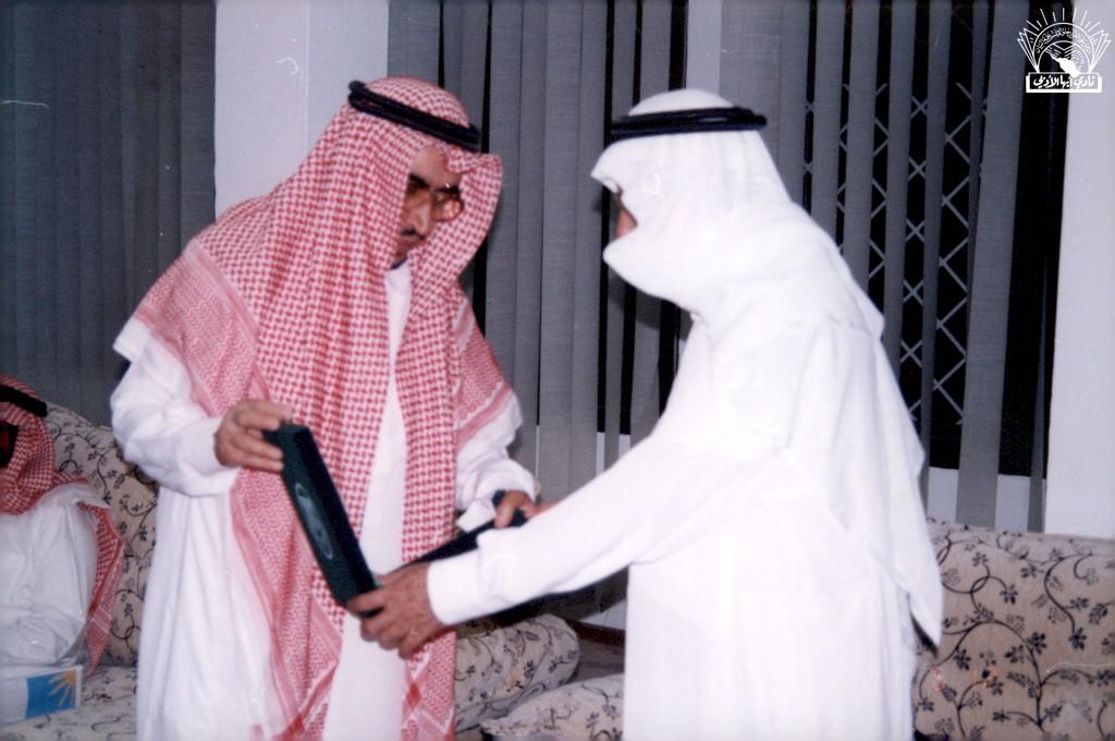 من مسامرة مع الأديب / يحي بن إبراهيم الألمعي .