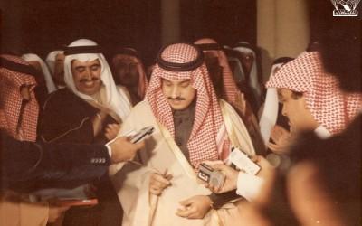 نائب أمير منطقة عسير الأمير / فيصل بن بندر في افتتاح أحد معارض الكتب في النادي …