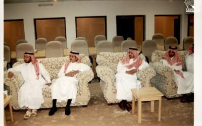 مسامرة للأستاذ / مهدي بن إبراهيم الراقدي مدير تعليم محايل عسير في النادي .