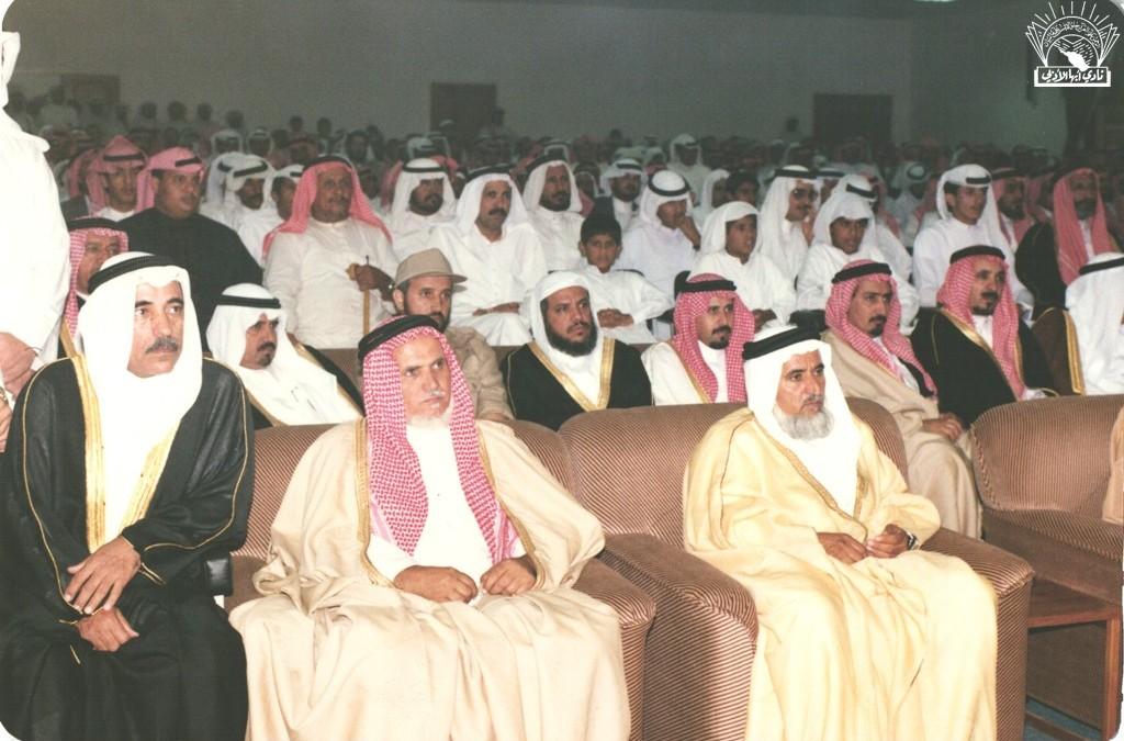 إحدى زيارات الأمير / فيصل بن بندر نائب أمير منطقة عسير ( سابقا)  إلى النادي ..